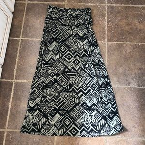 BKE olive and black maxi skirt. Sz M